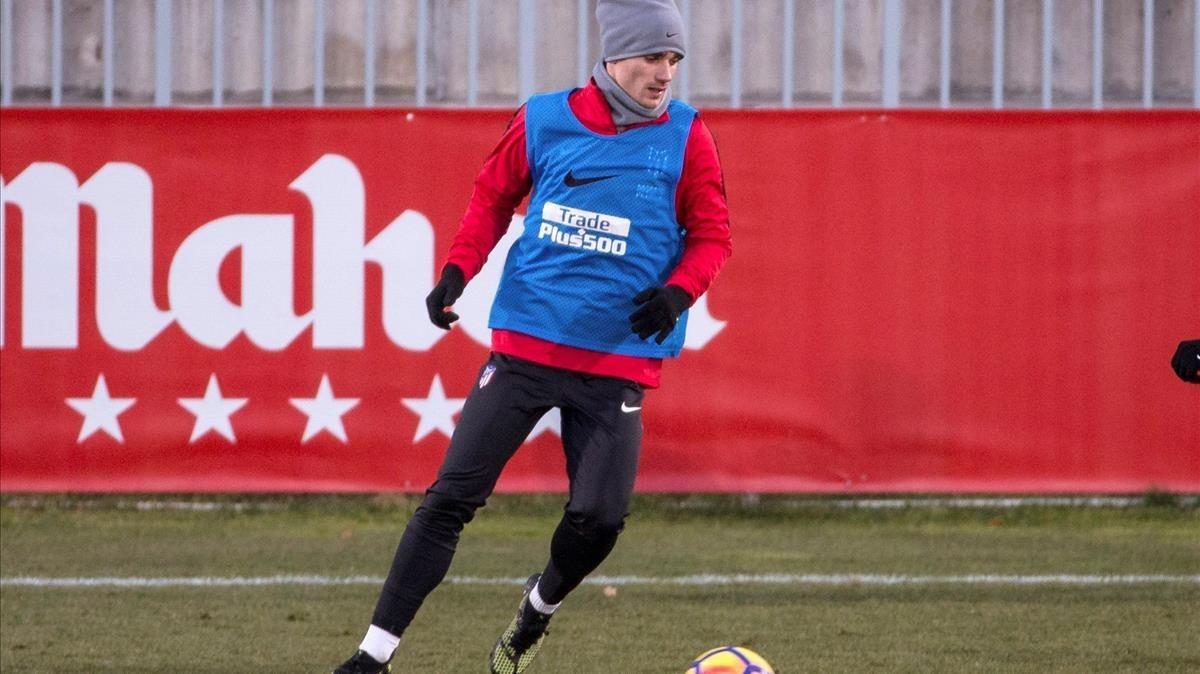 Griezmann, en el entrenamiento del Atlético en la ciudad deportiva de Majadahonda.