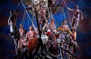 El 'Himne dels pirates', del musical 'Mar i cel', interpretada por Dagoll Dagom.