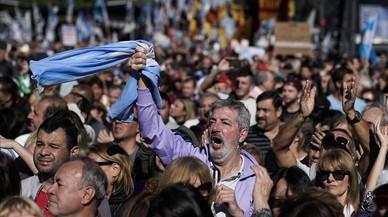 Masiva protesta de los argentinos contra el FMI