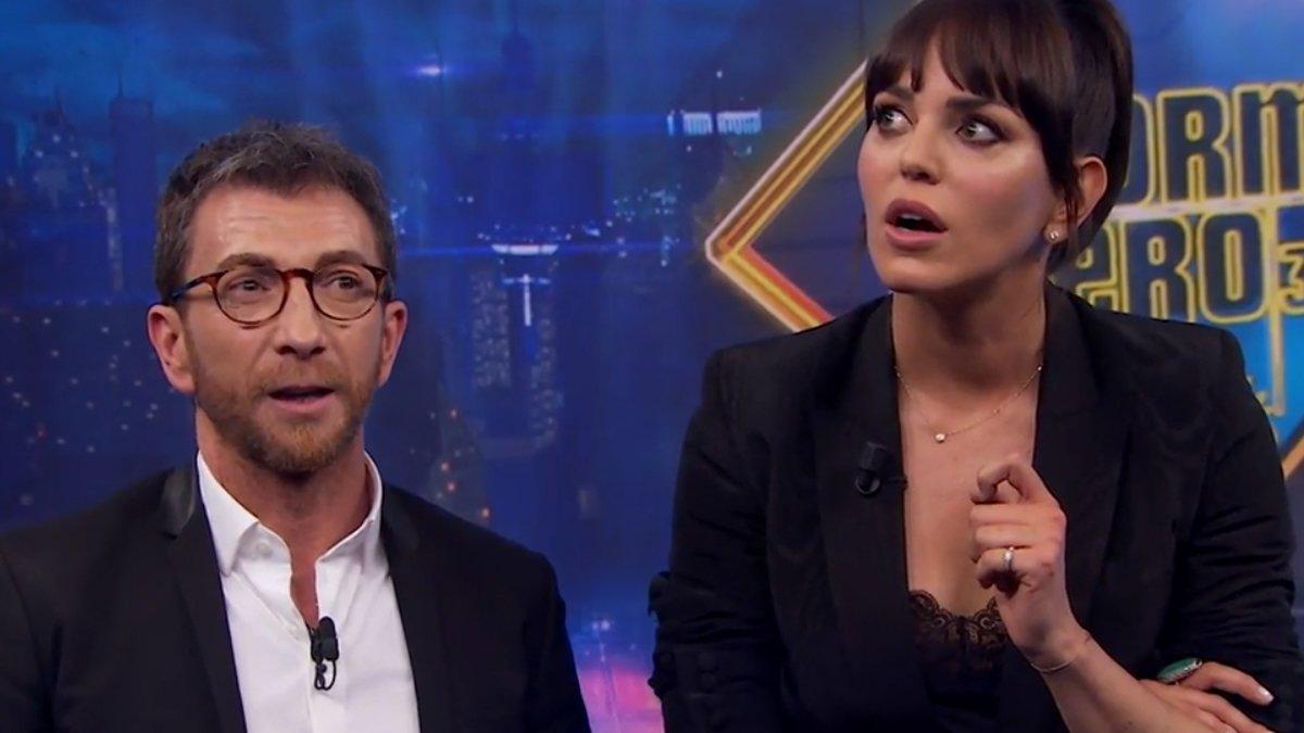 """Pablo Motos le pide a una espectadora que ponga Antena 3 y responde: """"¿La cadena triste?"""""""