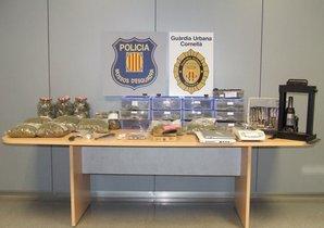 Imagen de la droga y el material encontrado en elinterior del club de cannabis de Cornellà