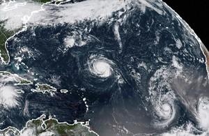 Imagen de satélite que muestra los huracanes Florence, Isaac y Helene en el Atlántico.