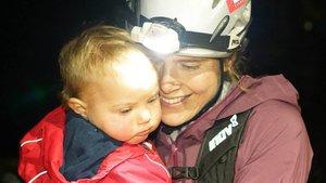 Jasmin Paris, la mujer que pulverizó el récord de la ultramaratón más dura mientras amamantaba a su bebé