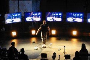 Roberto Olivan,durante la representación de 'Inferno V.I.P.'.