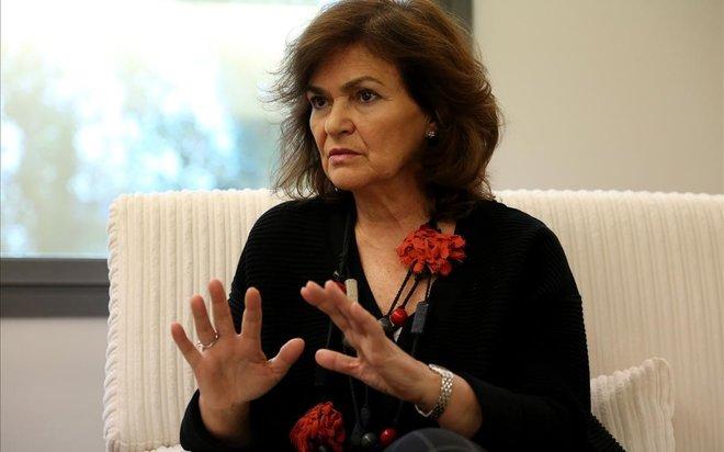 Carmen Calvo, en su despacho, durante la entrevista.
