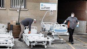 Llegada de nuevas camas al Hospital Vall d'Hebron.
