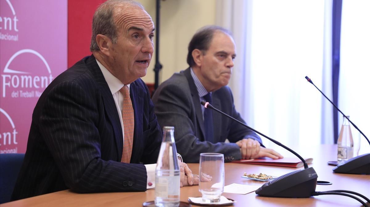 Joaquim Gay de Montellà y Joan Pujol (secretario general), en la sede de Foment del Treball.