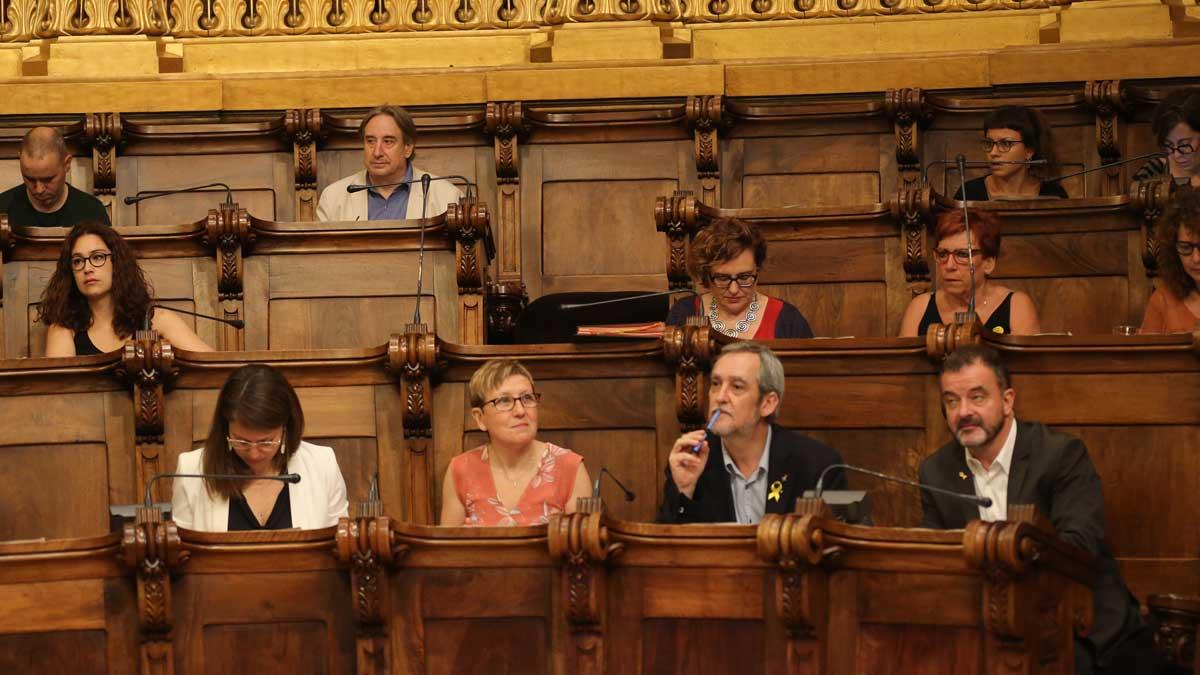 Juanjo Puigcorbé ocupa nuevo asiento como concejal no adscrito tras romper con ERC.