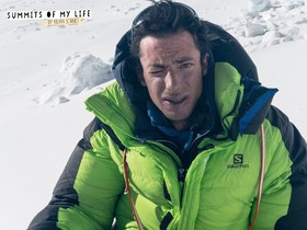 Kilian Jornet, en el campo base avanzado, tras descender del Everest, este domingo.