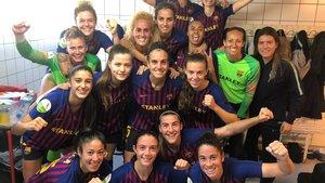 Las jugadoras del Barça celebran el triunfo en Málaga.
