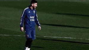 Leo Messi entrenando con la selección argentina en Valdebebas.