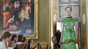 Desfile de Gucci en la Galeria Palatina del Palacio Pitti.