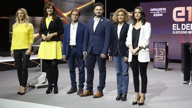 El prusés Catalufo - Página 12 Los-candidatos-posan-ante-prensa-grafica-antes-iniciar-debate-1556136162056