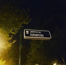 Placa del Jardín de las Feministas.