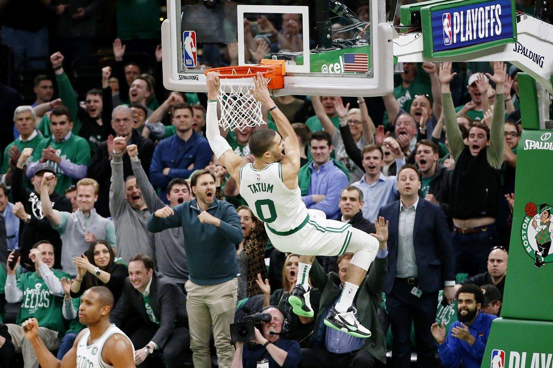 Los Celtics volvieron a dominar las acciones bajo los aros con 41 rebotes.