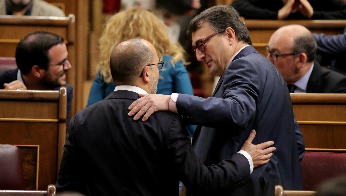 Los portavoces en el Congreso de los Diputados del PNV, Aitor Esteban, y del PDECat, Carles Campuzano.