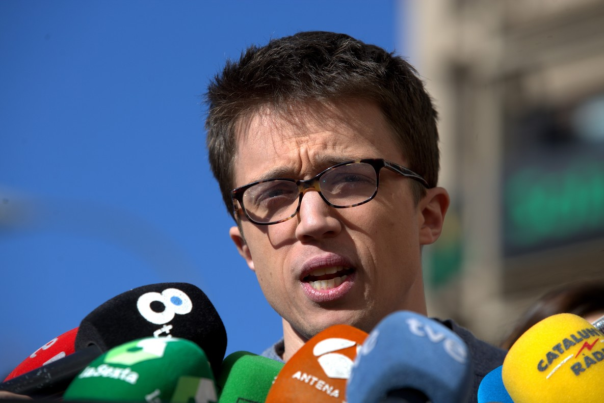 Iñigo Errejón tras la reunión sobre propuestas de documentos políticos, celebrada a puerta cerrada.