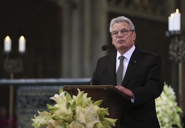 El presidente alemán, Joachim Gauck, interviene durante el funeral de Estado en memoria de las víctimas de Germanwings celebrado en la catedral de Colonia.