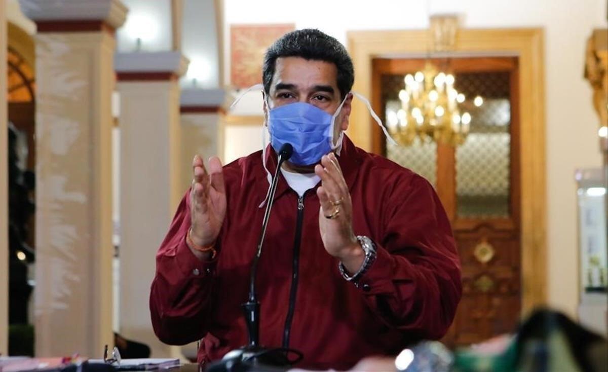 El presidente venezolano, Nicolás Maduro, protegido con una mascarilla.