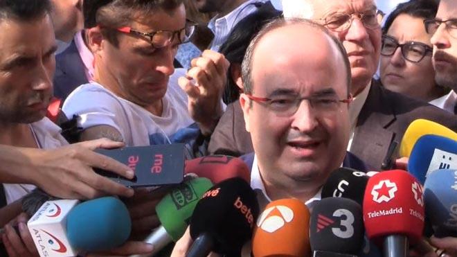 El primer secretario y diputado por el PSC, Miquel Iceta, en la manifestación constitucionalista de esta mañana