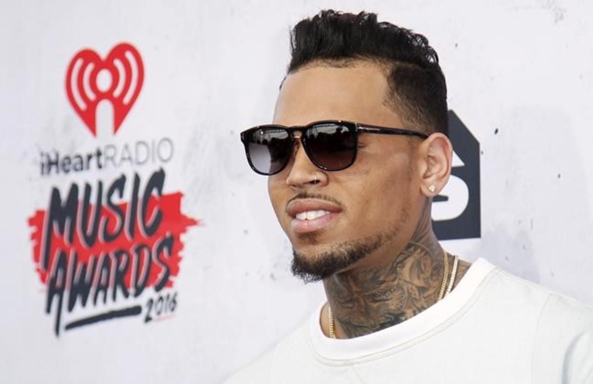 El rapero Chris Brown, detenido en Francia por violación