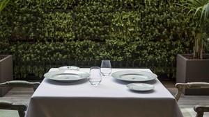 Cena en el invernadero