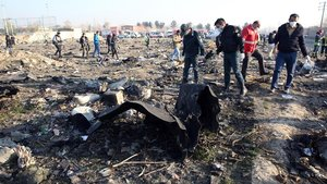 Restos del avión ucraniano abatido por error por Irán.