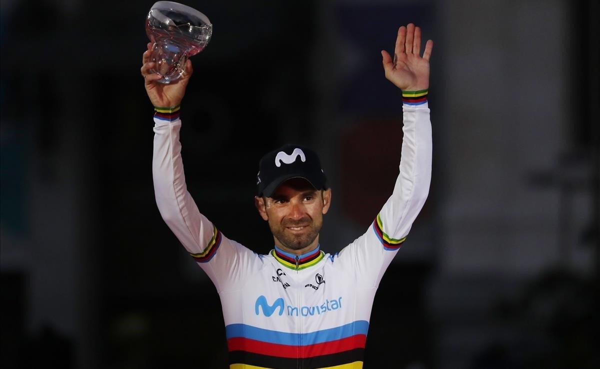 Alejandro Valverde, el domingo, en el podio de la Vuelta 2019.