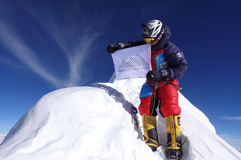 Sergi Mingote en la cima del Manaslu, en Nepal