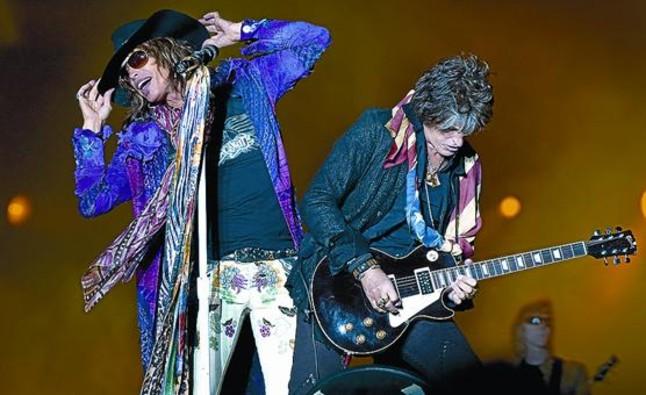 Steven Tyler y Joe Perry, cantante y guitarra de Aerosmith, durante un concierto en Suecia.