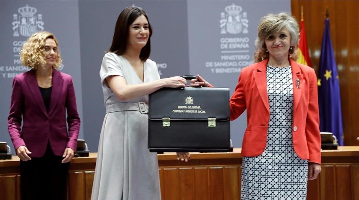 Un llarg aplaudiment acomiada Montón en el seu adeu com a ministra