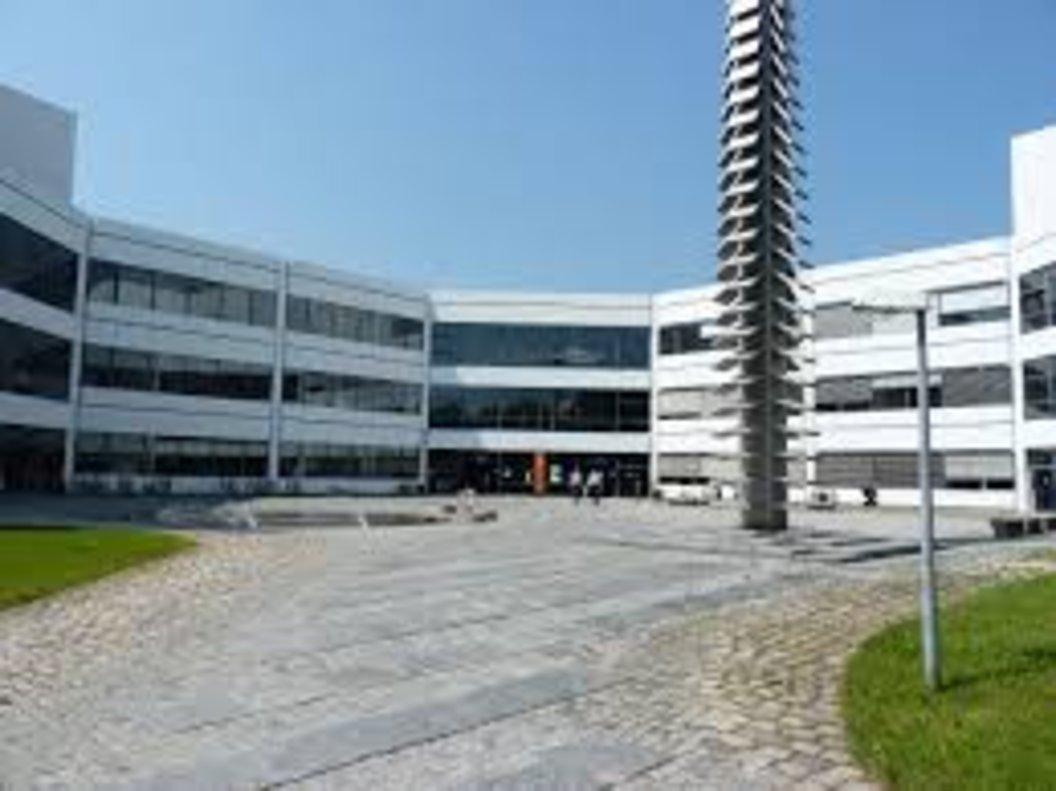 Universidad del Ejército en Neubiberg (Alemania).