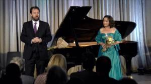 La soprano Elena Copons yel pianista Sholto Kynoch, en la inauguración del LIFE Victoria.