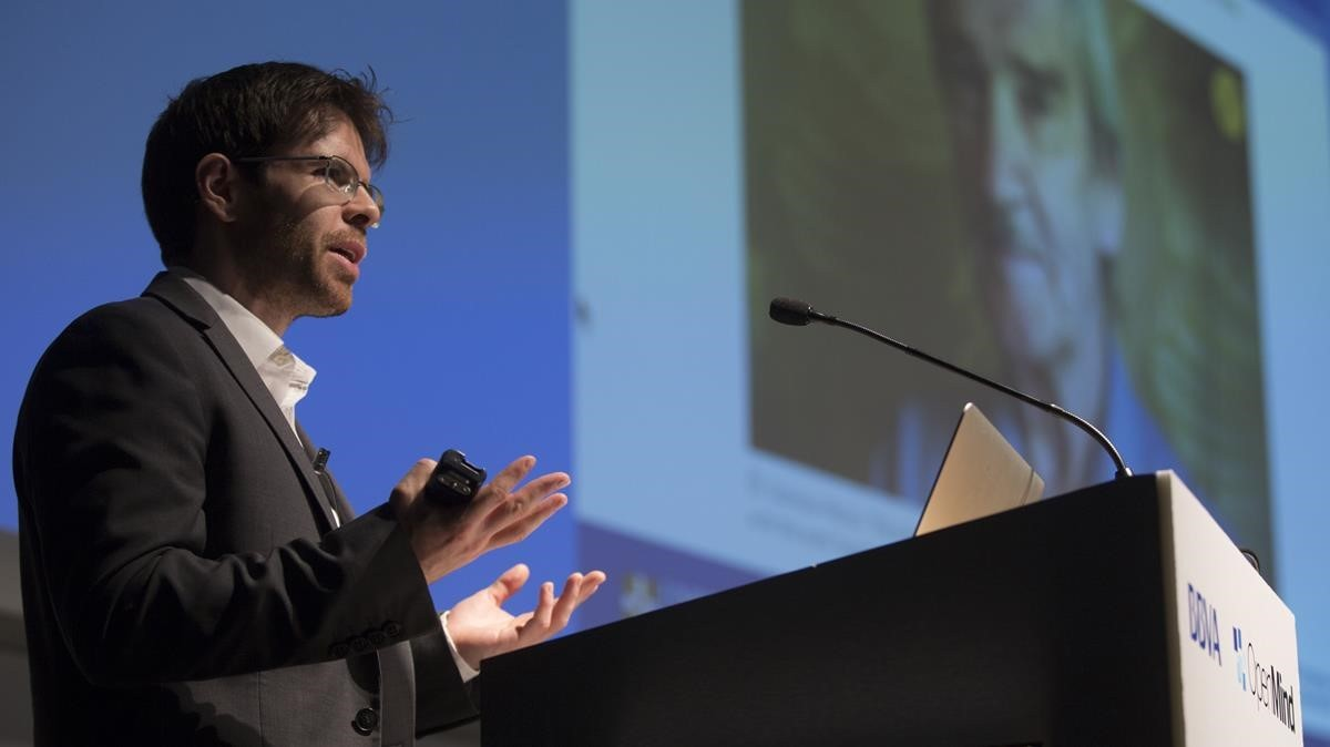 Seán Ó hÉigeartaigh, durante su conferencia en la jornada Open Mind organizada por el BBVA y EL PERIÓDICO, en el auditorio de ESADE en Barcelona.