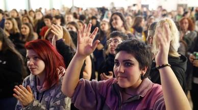El 1-O y el 155 se cuelan en la huelga feminista en Catalunya