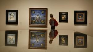 Una pared de la exposición con retratos de Gala firmados por Dalí.