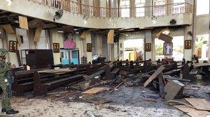 Almenys 20 morts i 48 ferits per dues explosions en una catedral de les Filipines