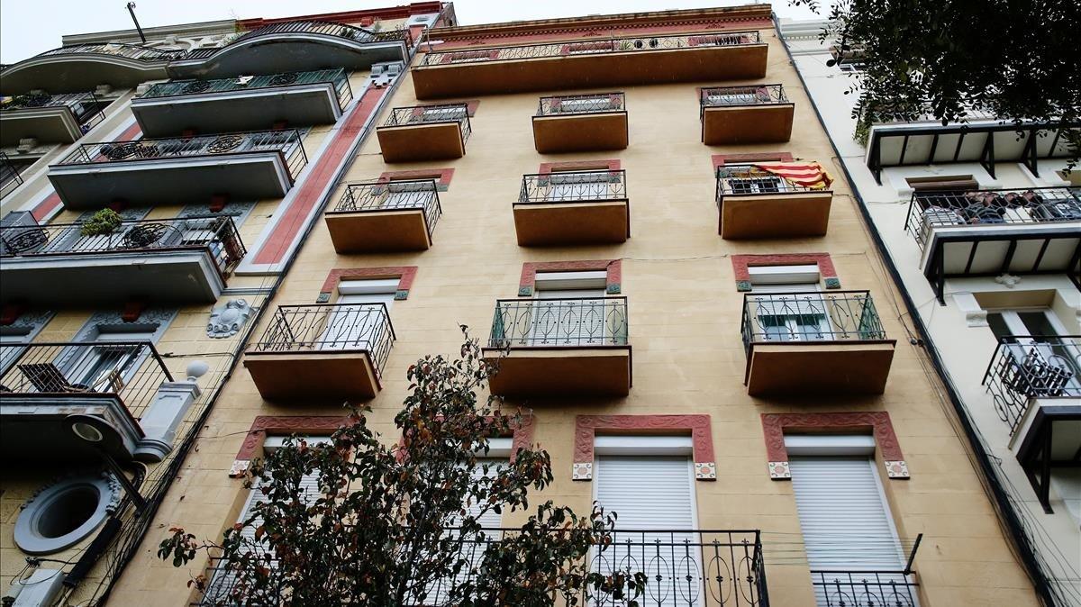 L'Ajuntament de Barcelona compra un edifici a Sants per destinar-lo a lloguer social