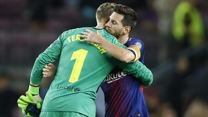 marcosl40081688 barcelona s lionel messi hugs teammate and goalkeeper marc a170913204136