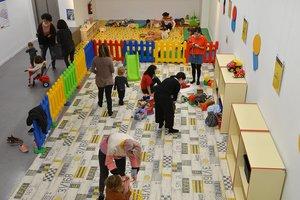 Los Centres Cívics se convierten estos días en ludotecas infantiles.
