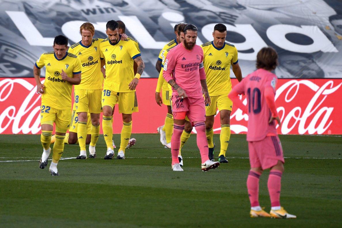 El Madrid perd davant un gran Cadis després d'un primer temps desolador