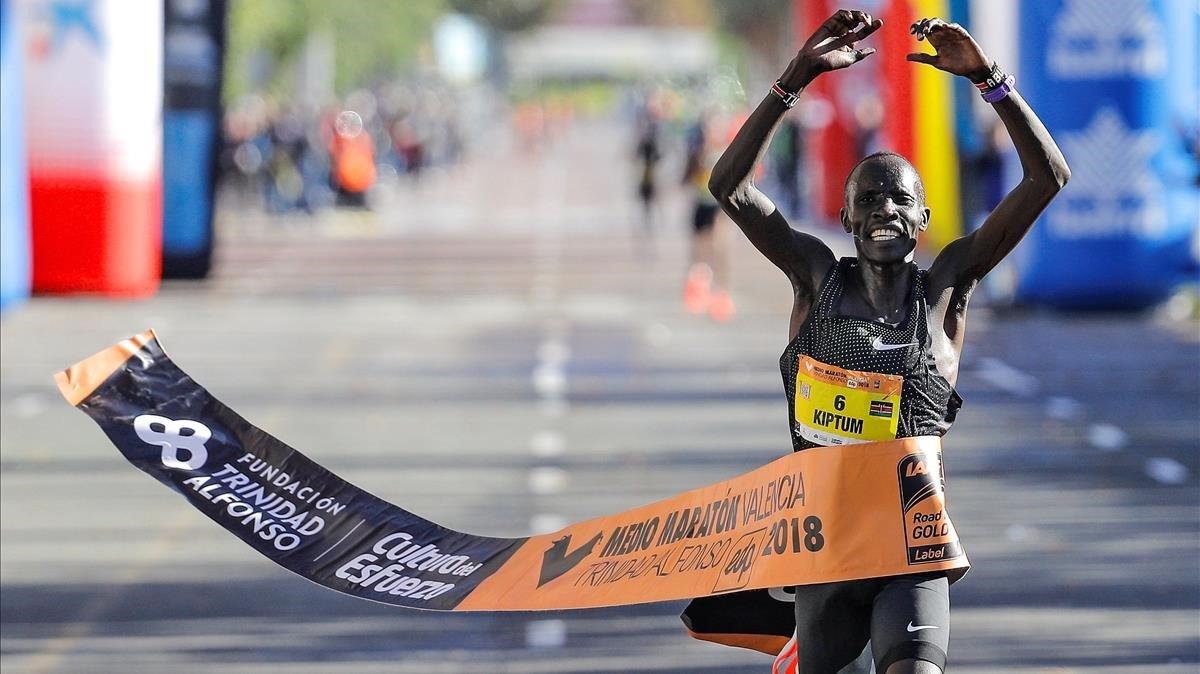 Abraham Kiptum, en el medio maratón de Valencia.