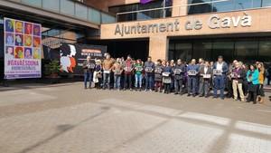 Acción frente al Ayuntamiento de Gavà en motivo de un Paro Internacional Feminista el pasado año