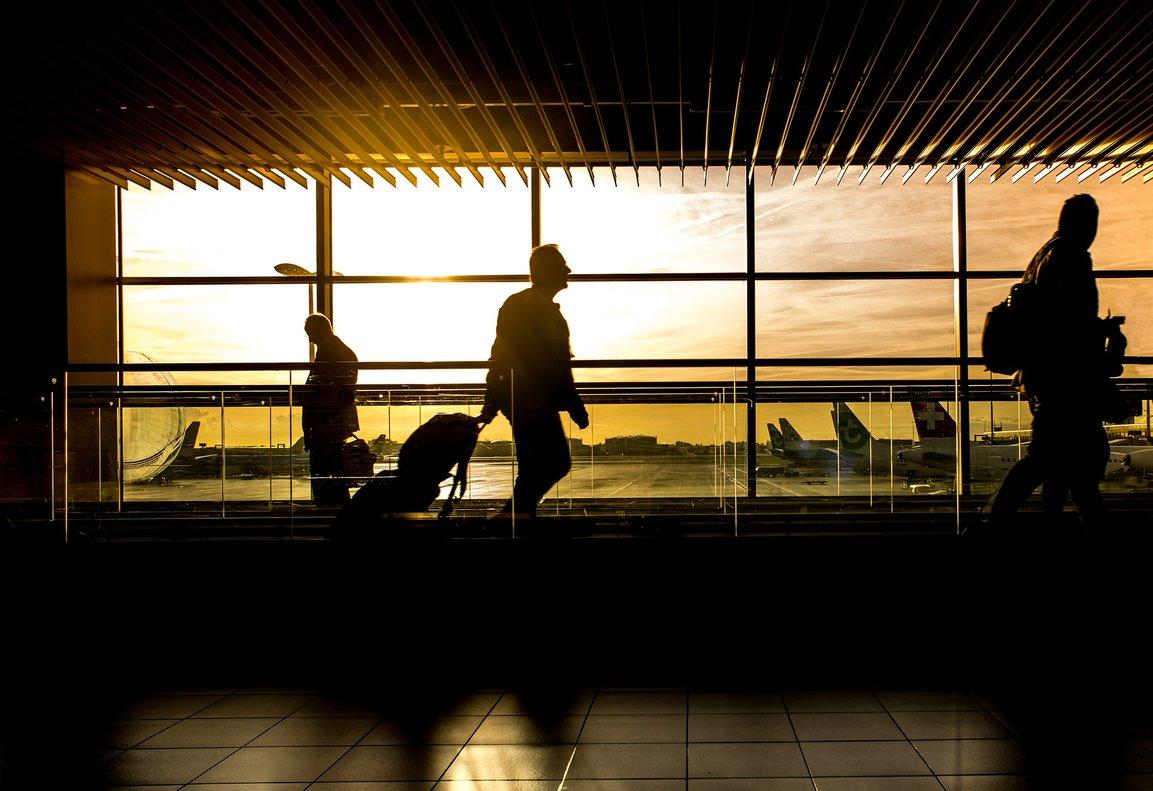 El hombre que desafió la política de equipaje de Ryanair: el truco para no pagar equipaje