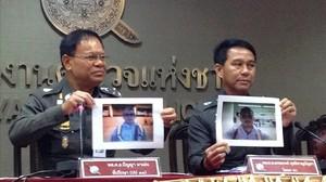 Agentes tailandeses muestran fotos de Artur Segarra durante una rueda de prensa para informar de la investigación del crimen de David Bernat, en Bangkok, el 5 de febrero.