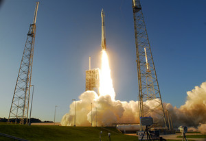 An AtlasV rocket lifts off from Complex 41 at Cape Canaveral Air Force Station Thursday, Sept. 8, 2016. The rocket carried NASA's OSIRIS-REx asteroid sample-return mission into orbit. (Craig Bailey/Florida Today via AP)