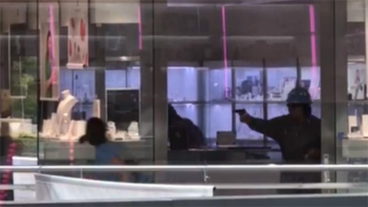Quatre detinguts per l'atracament a trets a Castelldefels