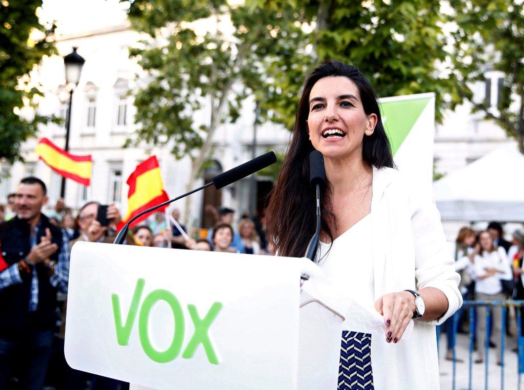 GRAF7715. MADRID, 24/05/2019.- La candidata de Vox a la Presidencia de la Comunidad de Madrid, Rocío Monasterio, durante su intervención, este viernes, en el acto de cierre de campaña que se celebra en la plaza Villa de París, en Madrid. EFE/ Javier López