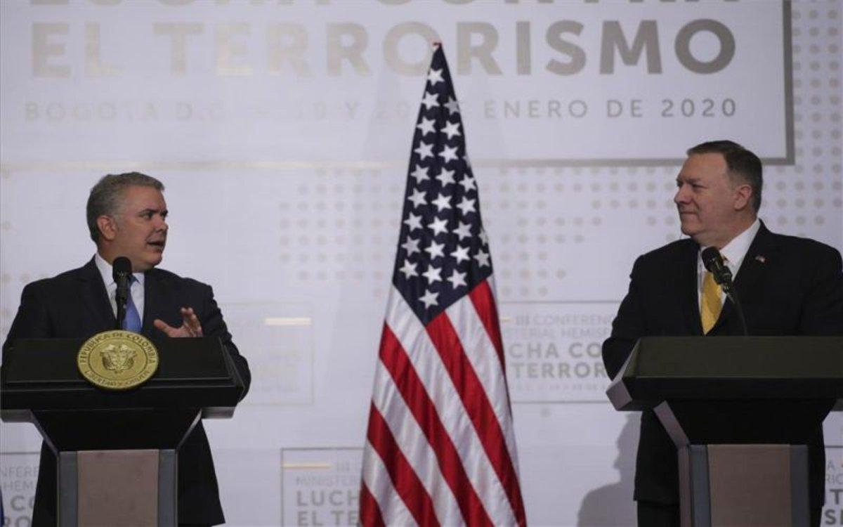 Iván Duque y Mike Pompeo en una cumbre antiterrorismo en Colombia.