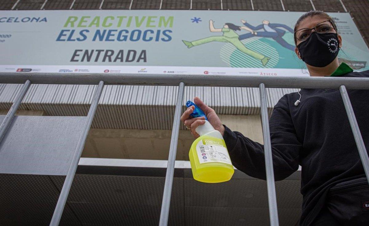 Desinfección y limpieza durante la celebración del salón BizBarcelona.